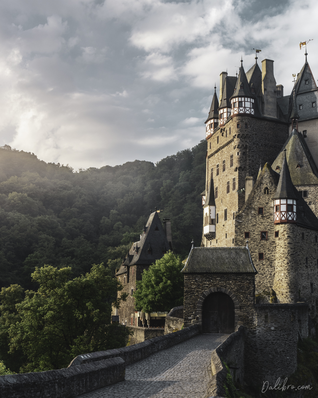 Burg Eltz Sunrise