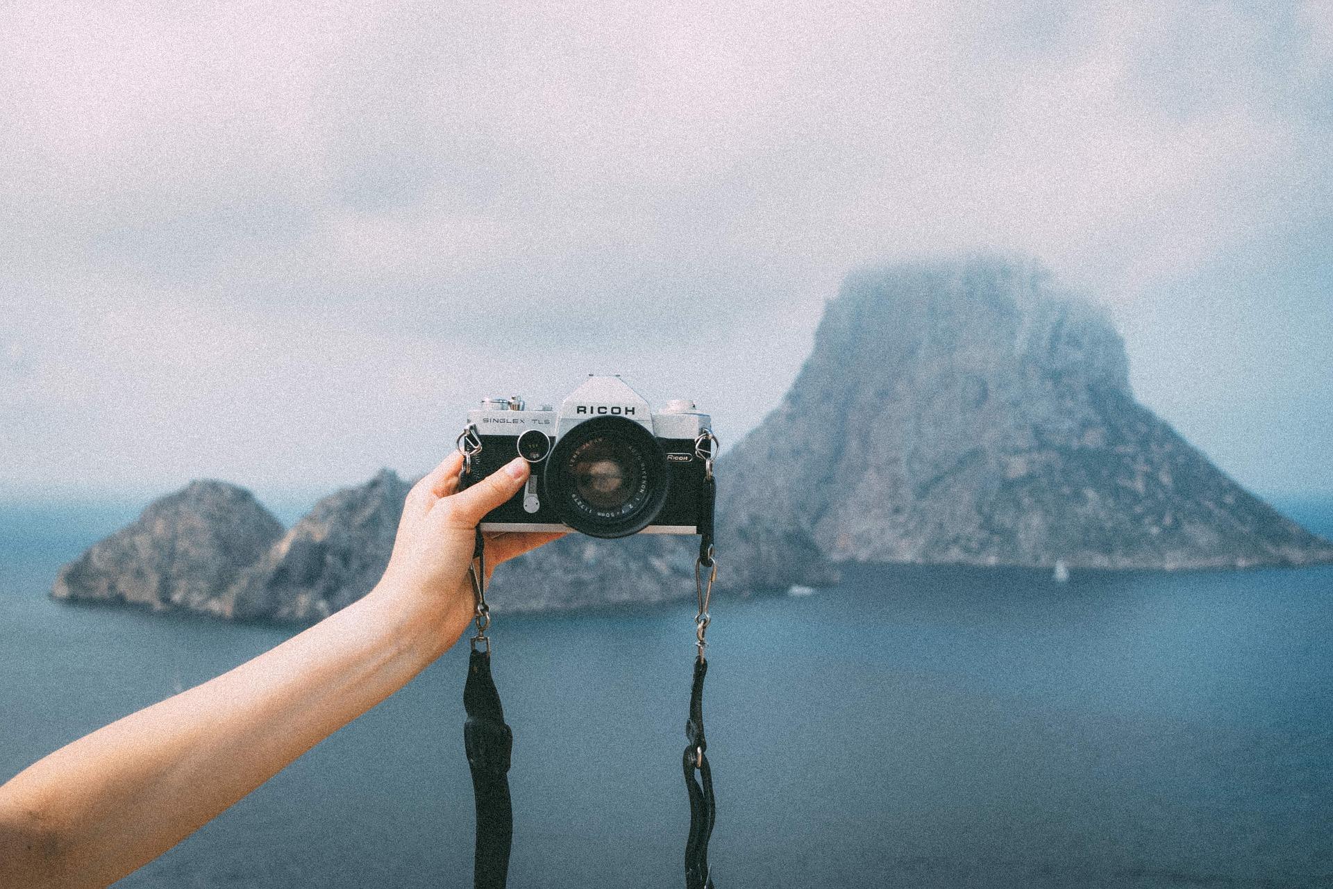 Selfies and Self-portraits - Credits: Pixabay.com (Stocksnap)