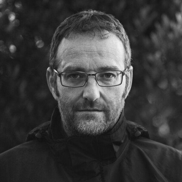 Neil Burnell woodland minimalist and macro photographer